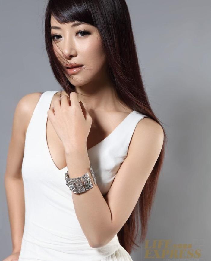 "Photo Artis Sexsy Dan Cantik ""Emily Chen Zihan"""