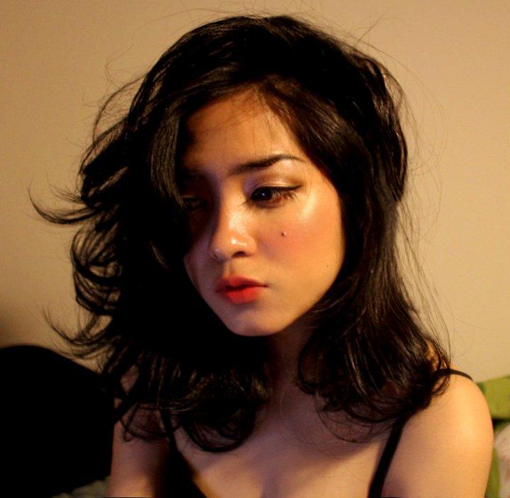 Prisa adinda – gitaris dan penyanyi cantik*